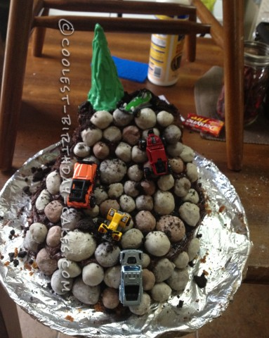 Coolest Rock Crawling Cake