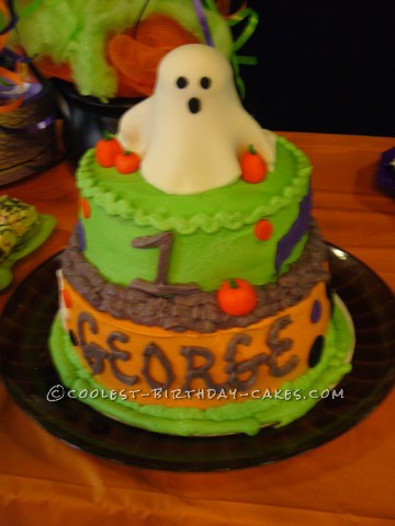 Cute Little Ghost Cake for Halloween