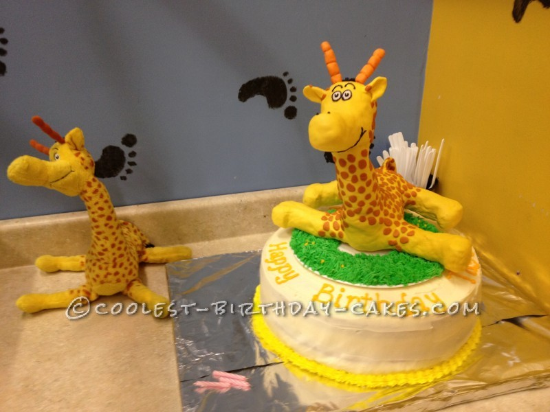 The final cake - with the muse stuffed animal in background