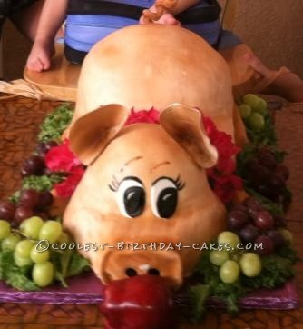 Coolest Piggy Luau Birthday Cake