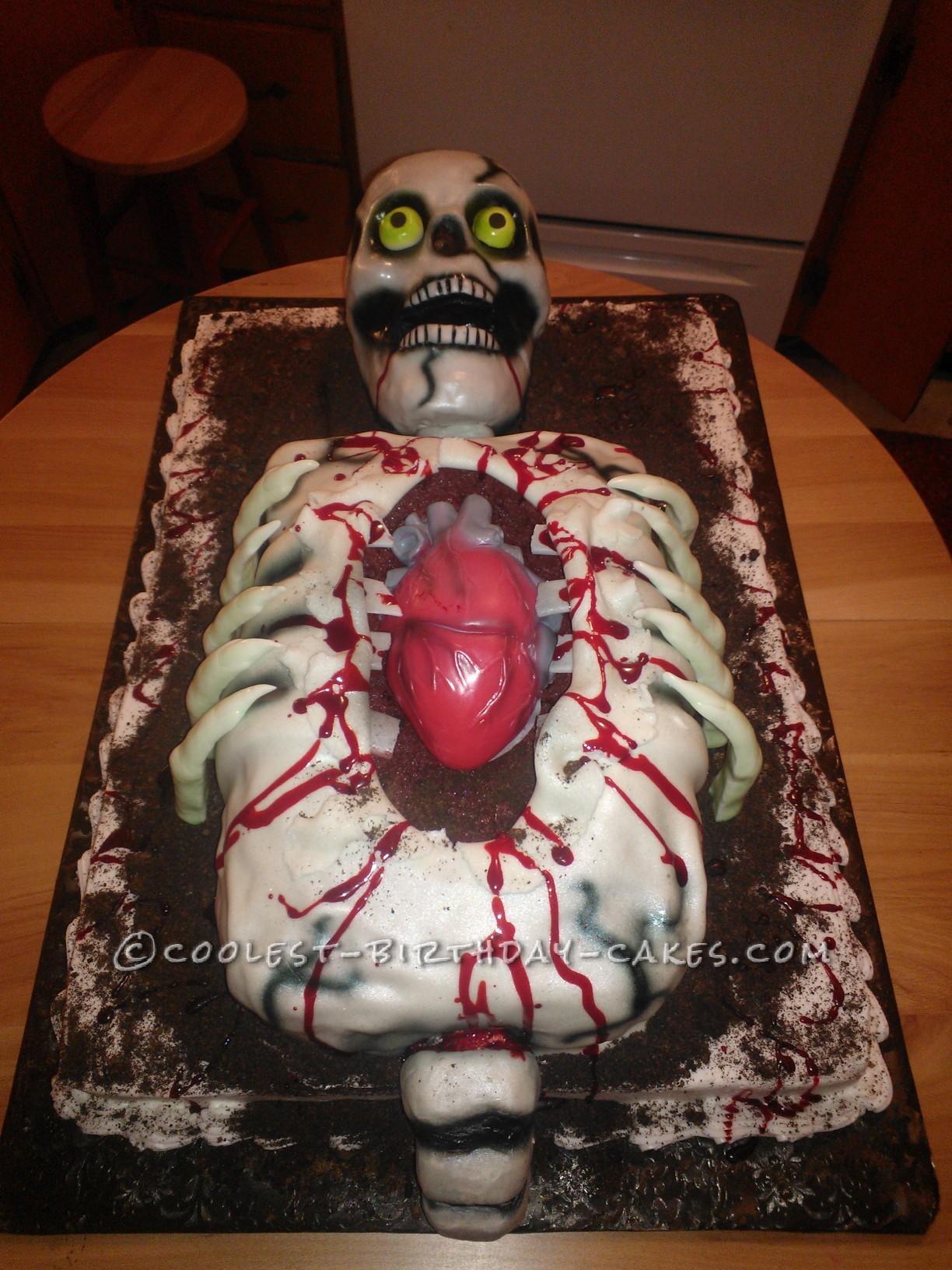 Cool Skeleton Cake