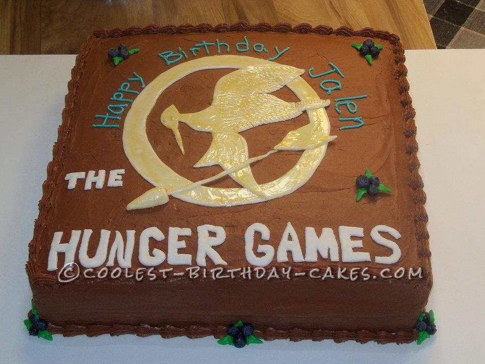 Cool Homemade Hunger Games Theme Cake