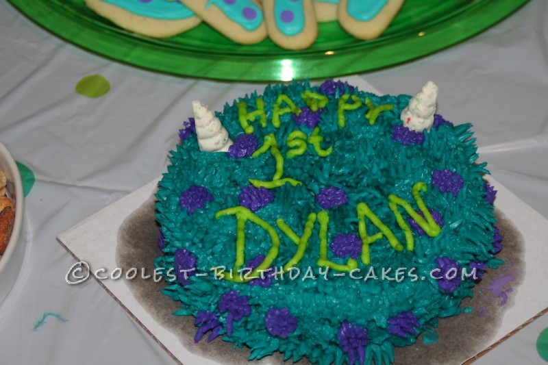 Smash cake looked like Sully!