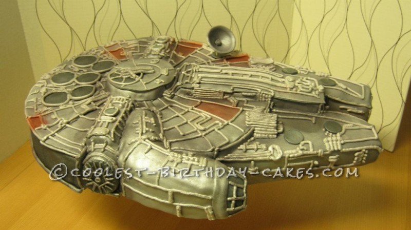 Coolest Star Wars Millennium Falcon Cake