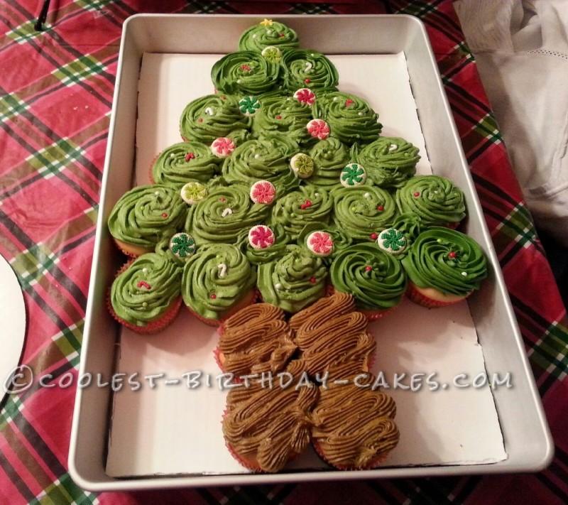 Coolest Christmas Tree Cupcake Cake