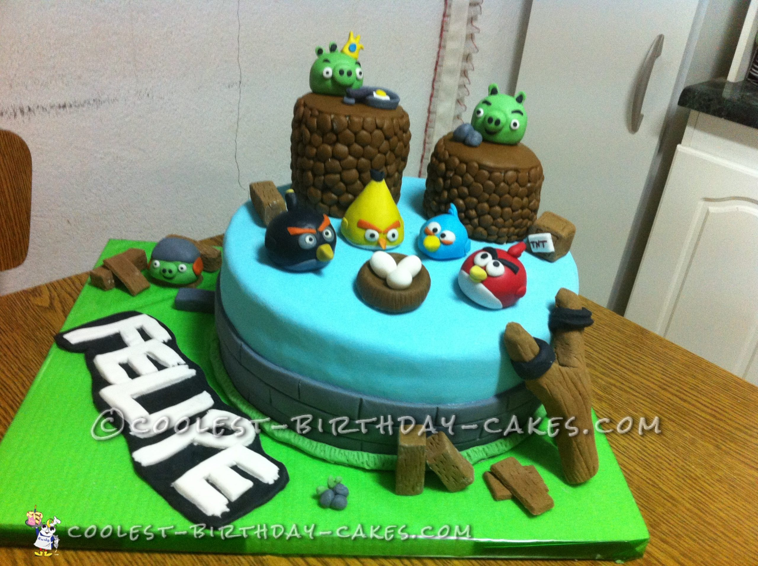 Coolest Angry Birds Cake