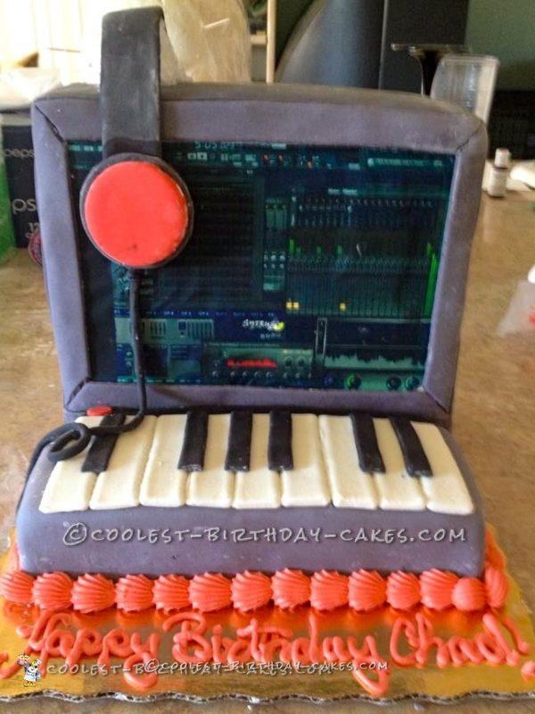 Cool Electronic Musician Cake