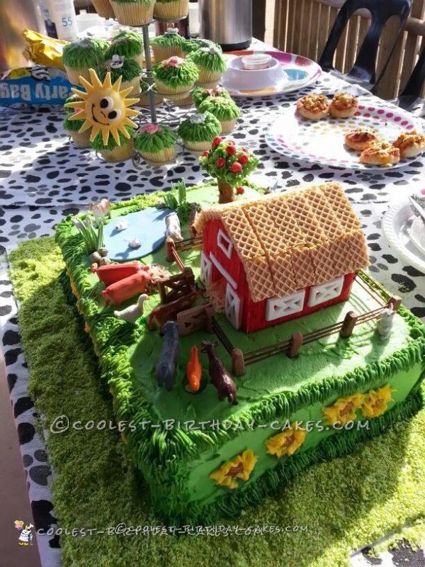 Amazing Barnyard Cake