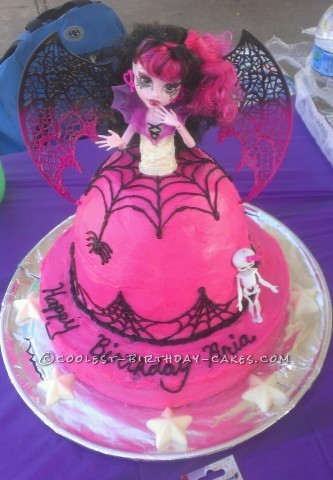 Coolest Monster High Draculaura Cake