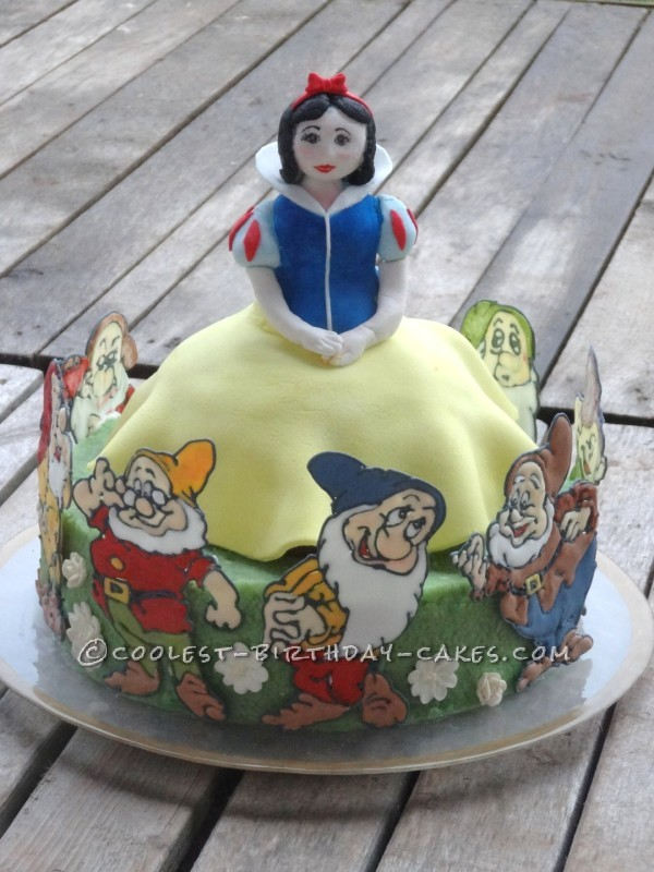 Coolest Snow White Cake