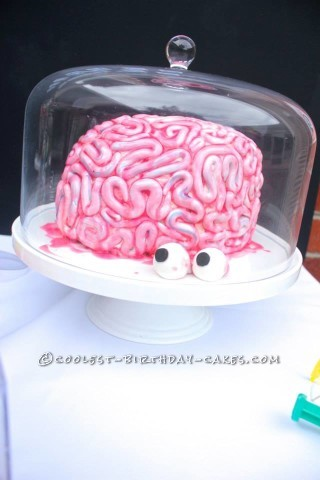 Gruesome Brain Cake for a Science Party