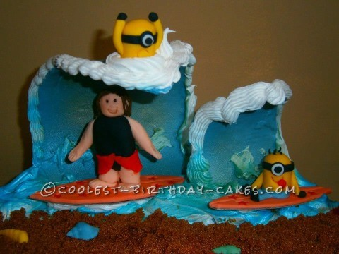 Riding the Tube with Minions Figure Cake