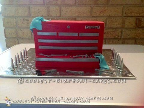 Coolest Sidchrome Tool Box Cake