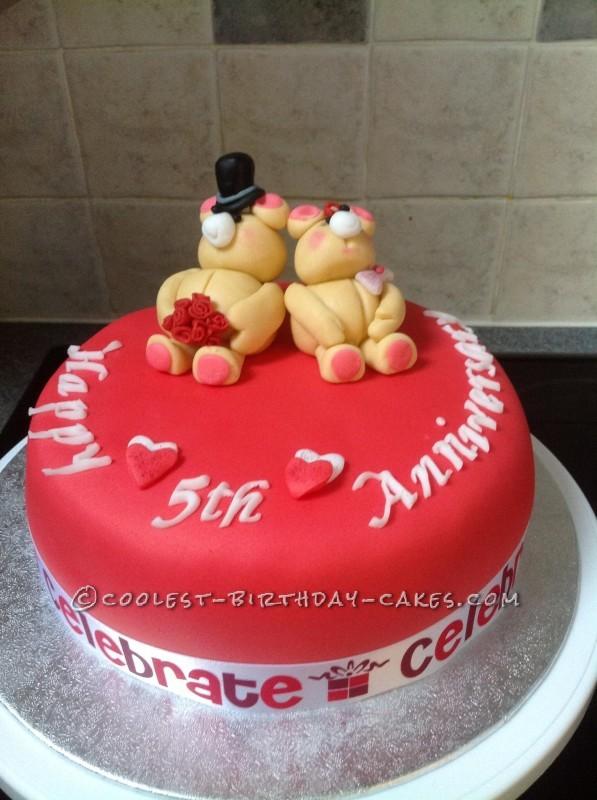 Anniversary bears cake