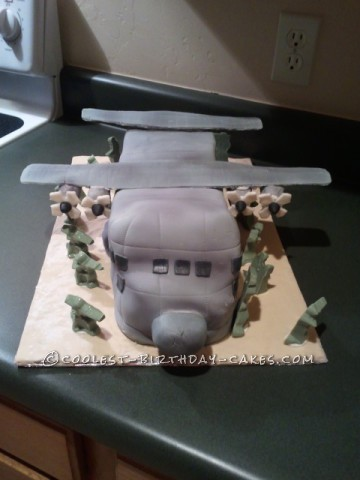 Coolest Aircraft Cake With Army Men