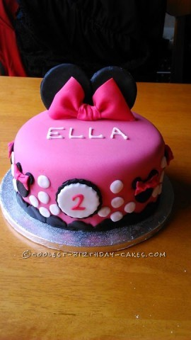 Cool Minnie Mouse Cake