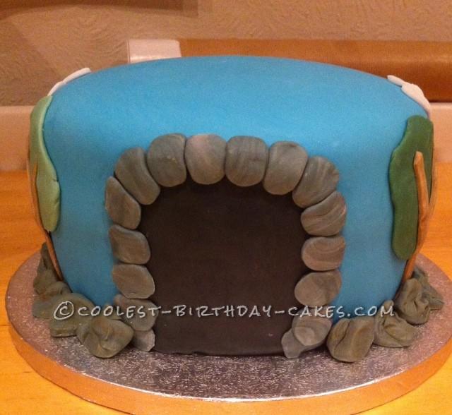 Coolest Thomas the Tank Cake - 1