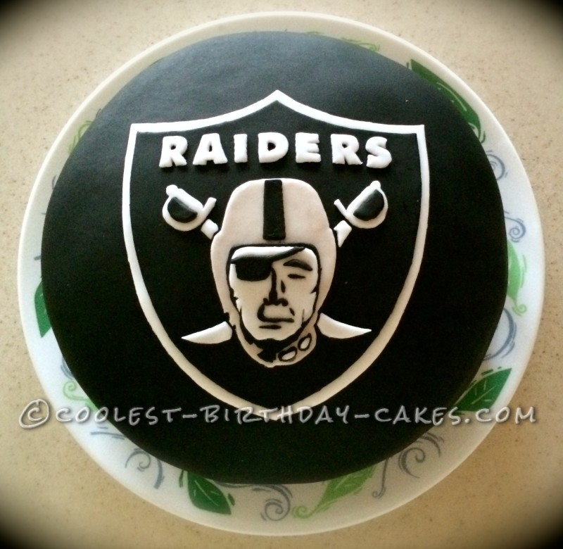 Detailed Raiders Fan Cake