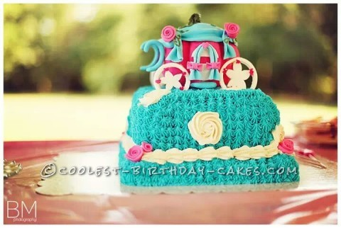 Pretty Cinderella Carriage Cake
