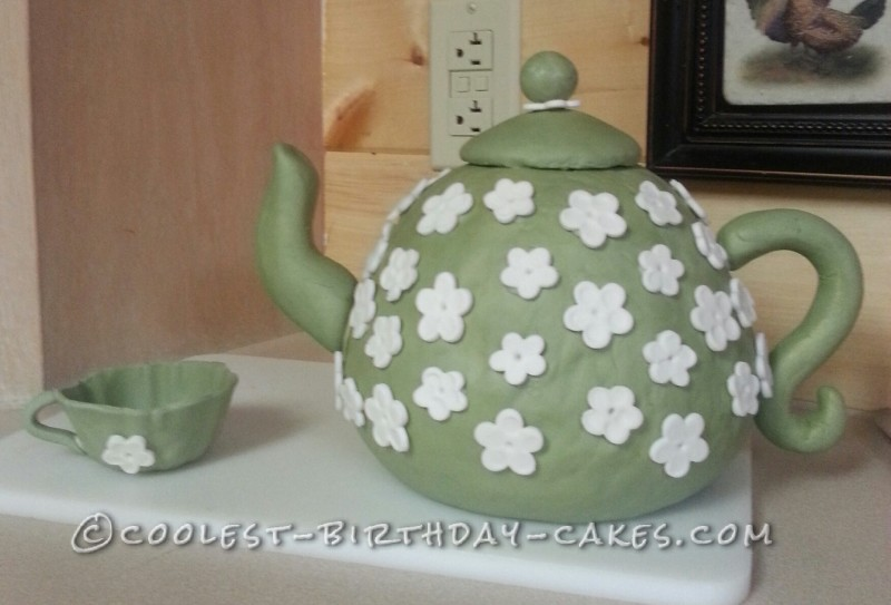 Teapot Cake and Cups for 24 Housewarming Party Guests