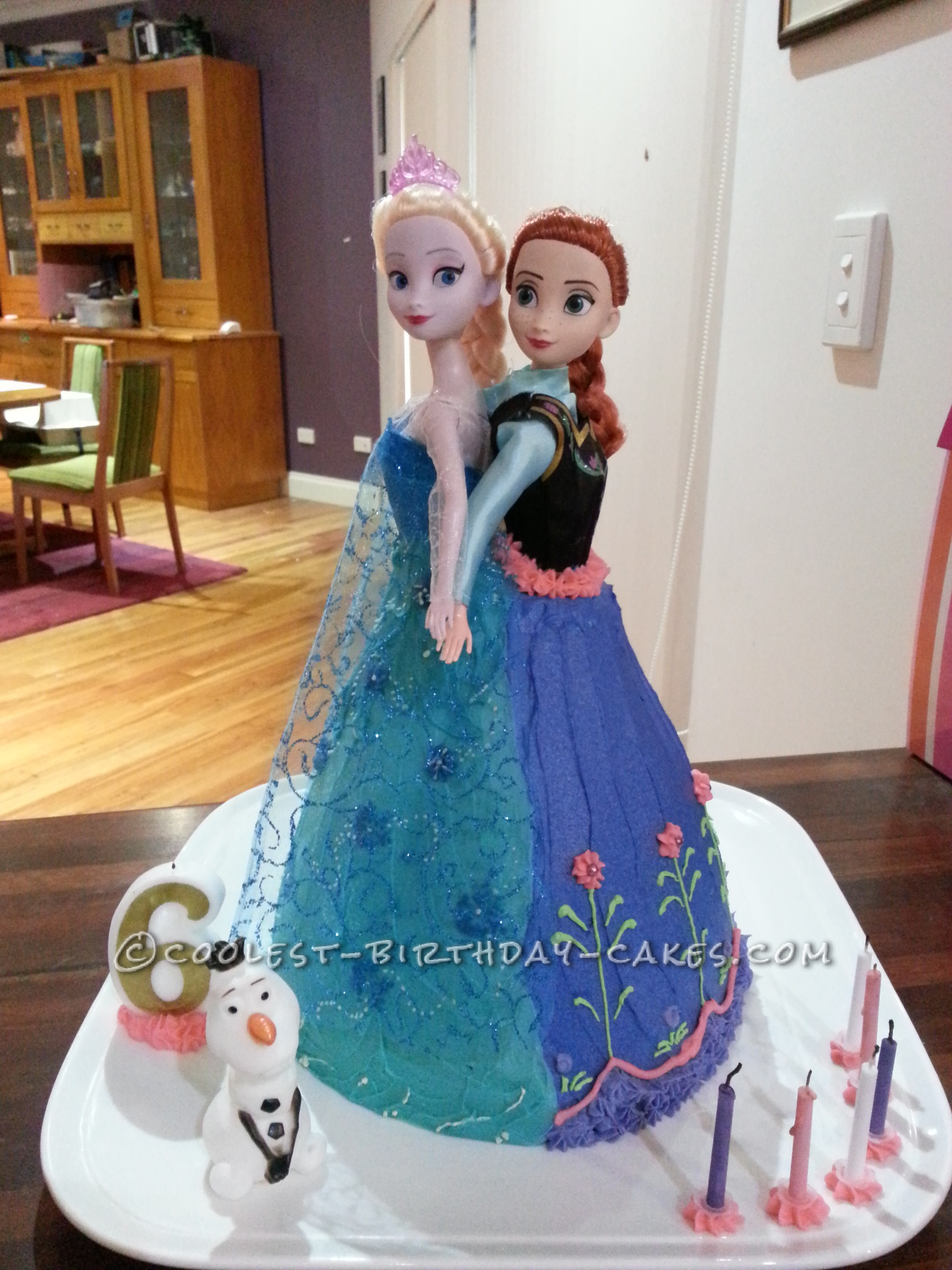 Coolest Frozen Anna And Elsa Cake