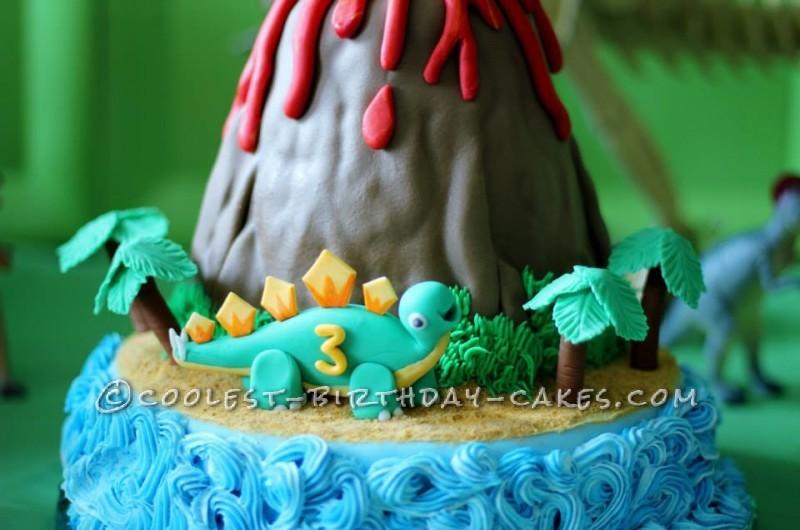 Jurassic Park Erupting Volcano Dinosaur Cake