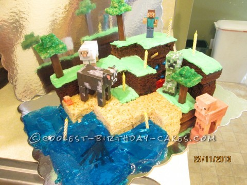It-Has-It-All Minecraft Cake