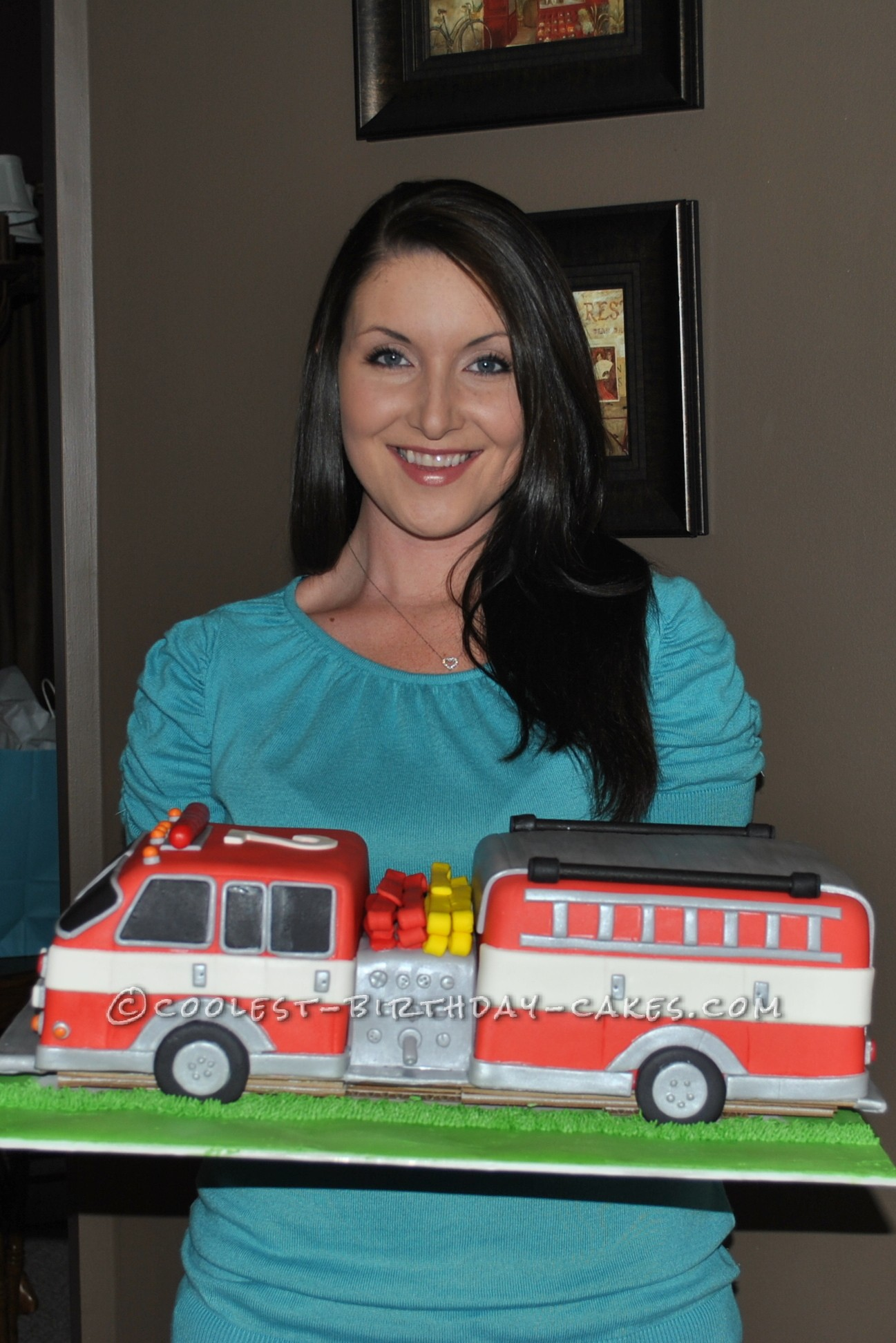 Hope from Birmingham, AL - Featured Cake Decorator