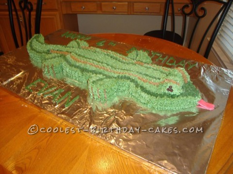3-Foot-Long Lizard Cake