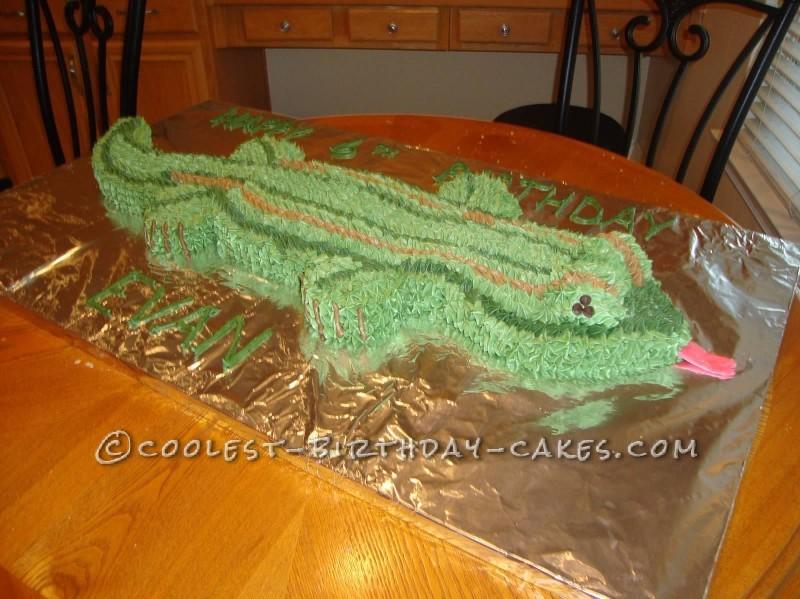 3-Foot-Long Lizard Cake
