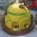 Beautiful Beehive Cake