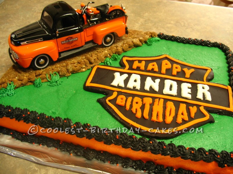 Outstanding Coolest Homemade Motorcycles And Harley Davidson Emblems Cakes Funny Birthday Cards Online Fluifree Goldxyz