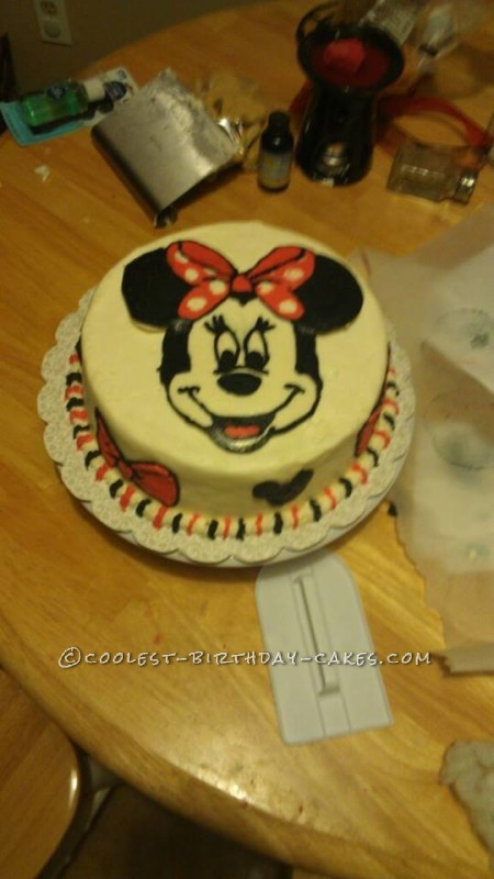 Cool Buttercream Minnie Mouse Cake