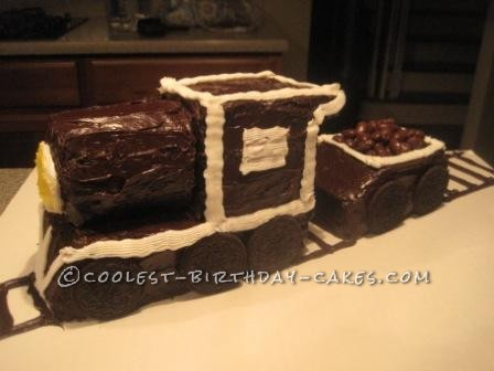 Coolest Chocolate Steam Engine Cake With Tender