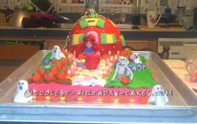Halloween Strawberry Shortcake Cake for a 6th Birthday