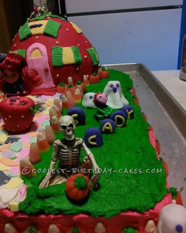 Halloween Strawberry Shortcake Cake for a 6th Birthday
