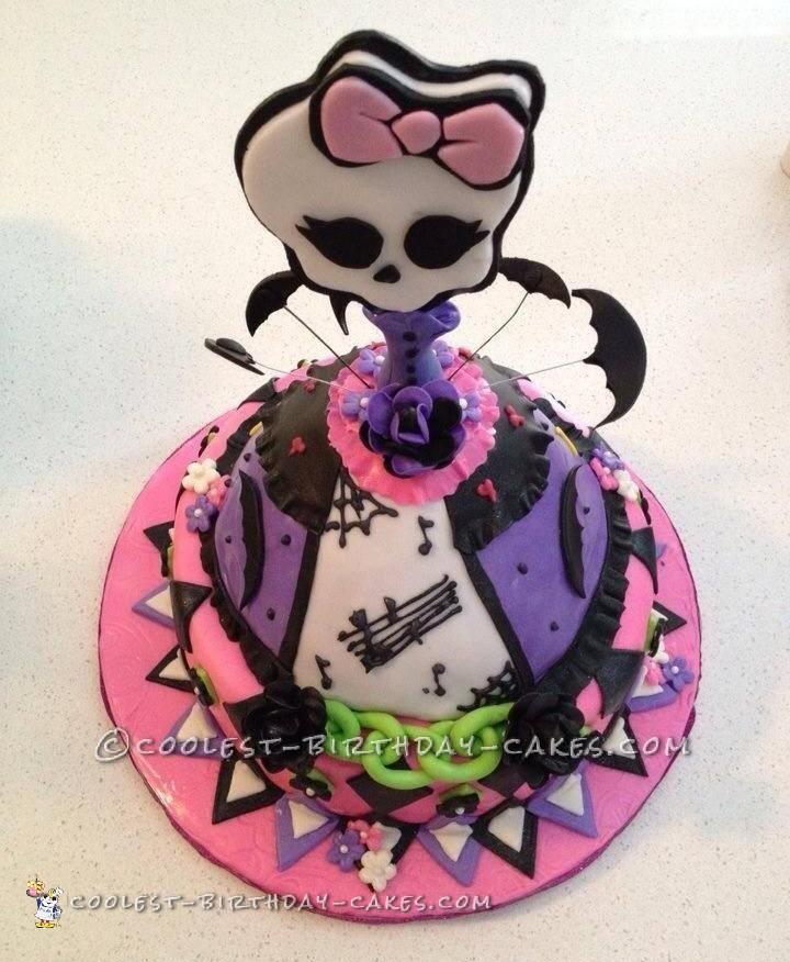 Coolest Monster High Doll Cake