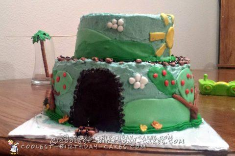 Fun and Easy Train Cake