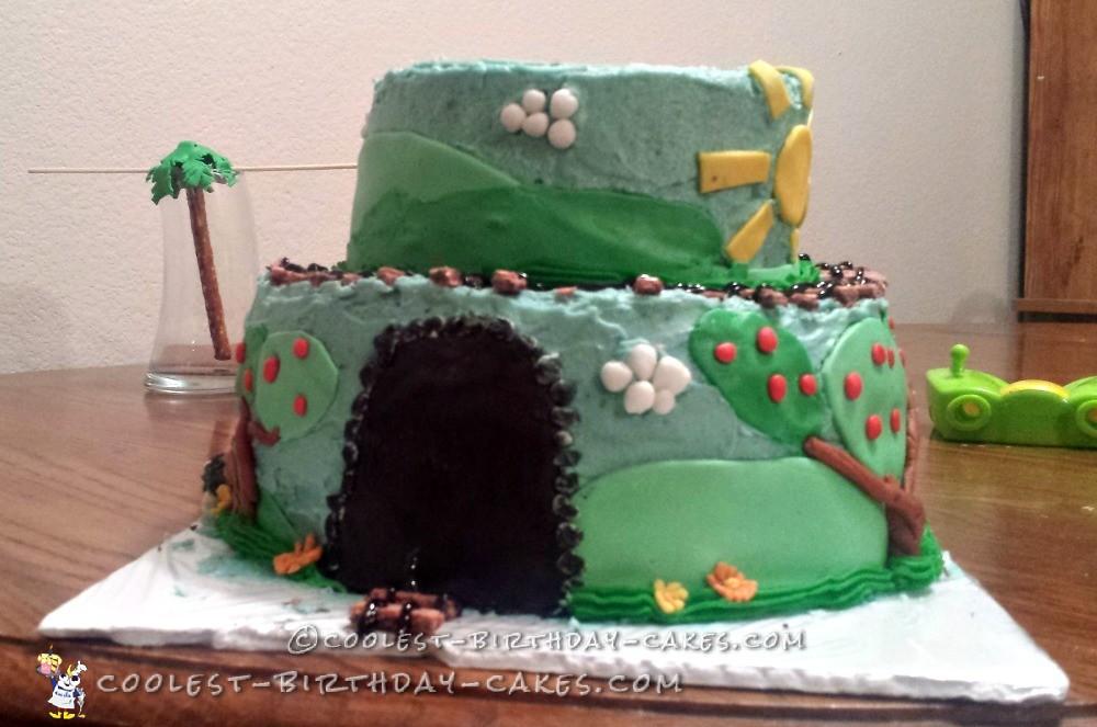 Fun and Easy Train Cake