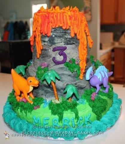 Coolest Smoking Volcano Cake Ever!