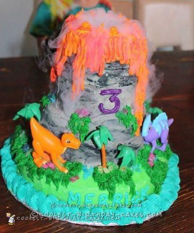 Coolest Smoking Volcano Cake Ever!