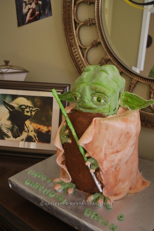 Epic Fail Turns into Awesome 3D Yoda Cake