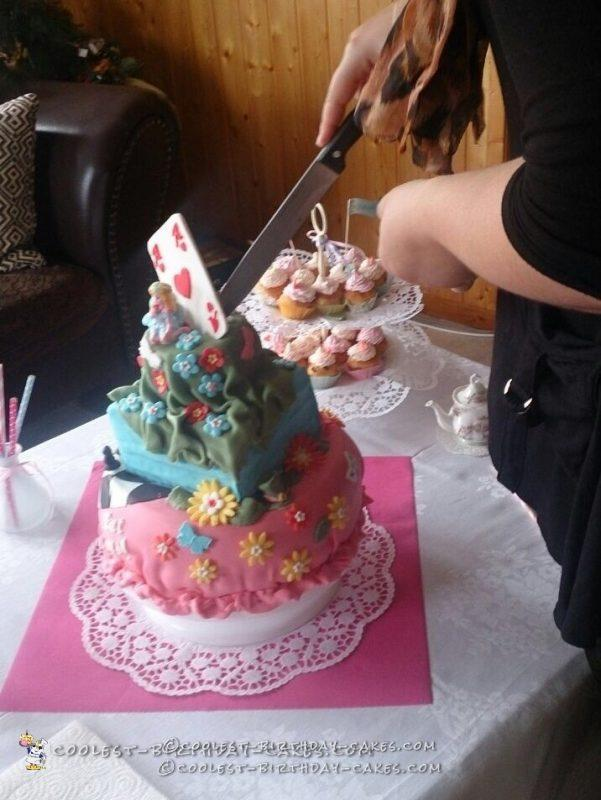 Goodbye Party Alice in Wonderland Cake