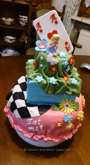 Goodbye Party Alice in Wonderland Cake