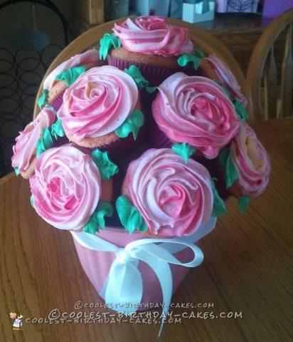 Easy Cupcake Bouquet of Roses Cake