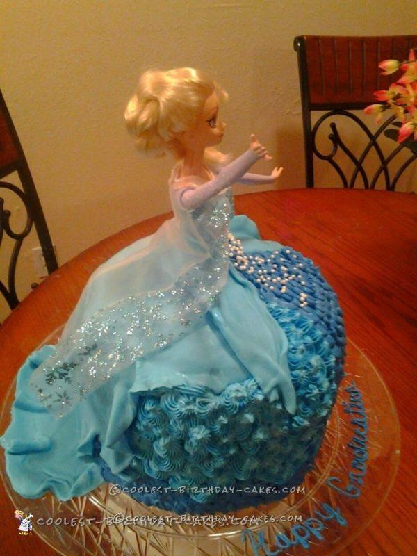 an Elsa dress cake for her daughter's pre-K graduation. The cake ...