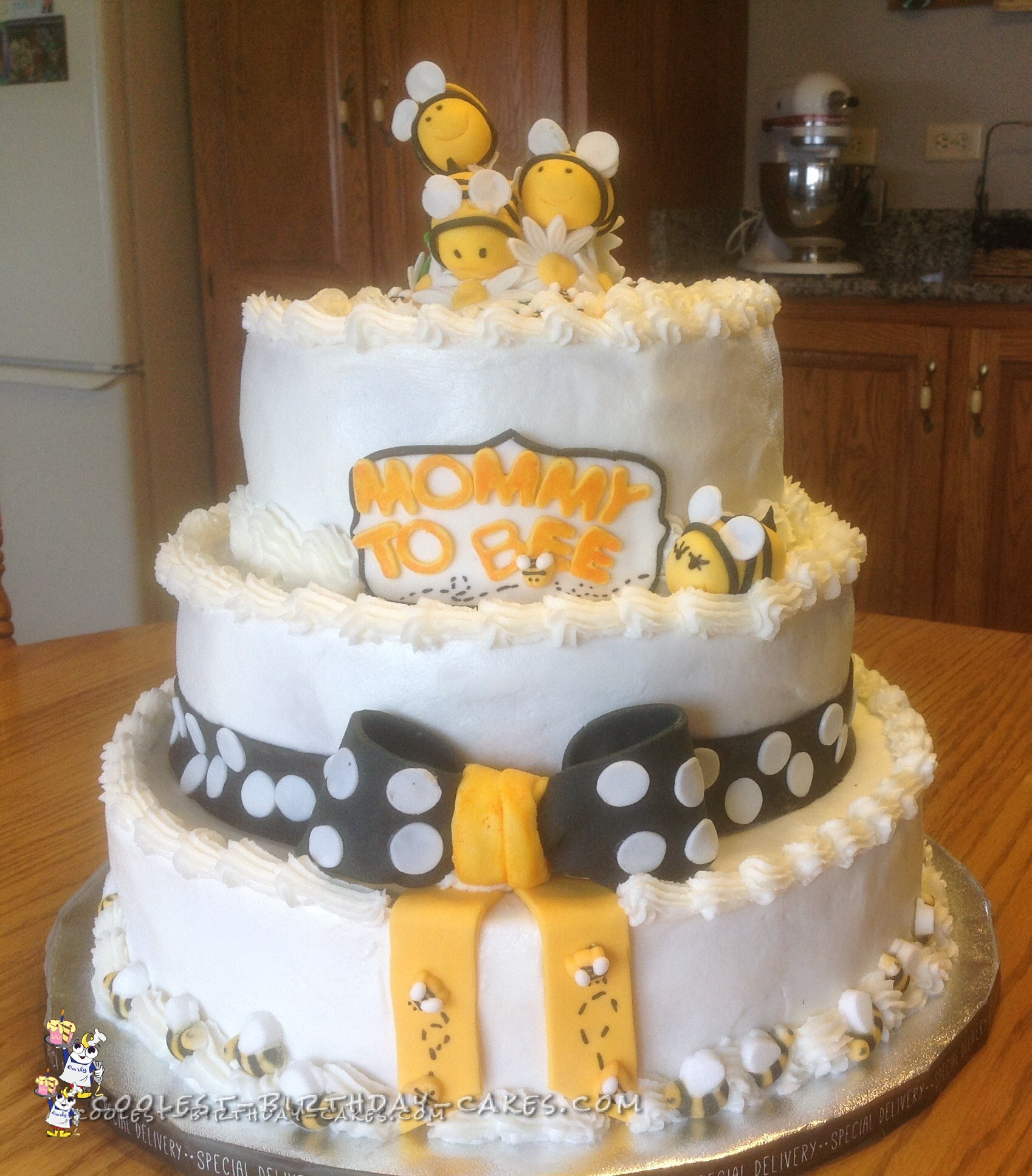 Mommy to Bee Baby Shower Cake