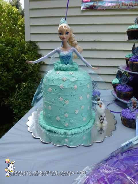 Sweetest Elsa and Anna Cakes