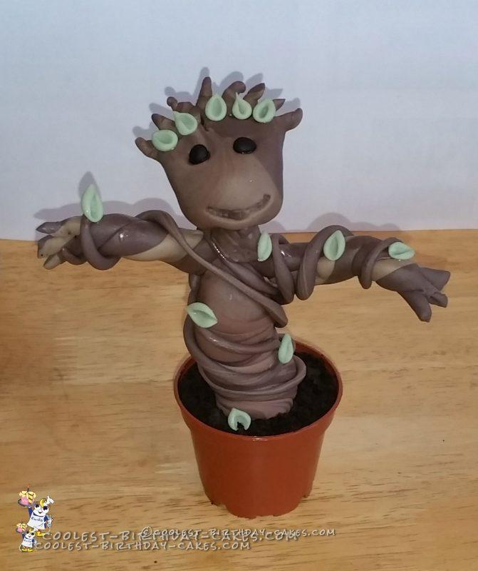 Coolest Baby Groot Cake