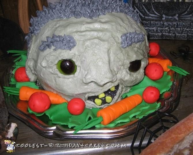 Head on a Platter Halloween Cake Idea